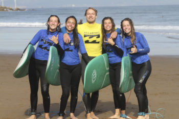 Compartir (Español) Video del campamento de surf semana del 30 al 6 de Agosto 2017  Moana Surf and Skate Camp en facebook
